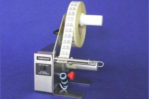 Диспенсер-отделитель самоклеющихся этикеток от подложки