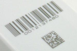 Штрихкод и DataMatrix нанесенные лазером на пластике