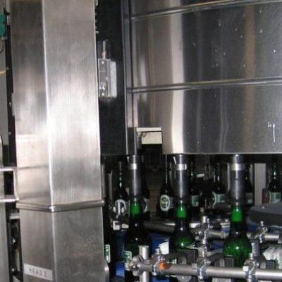 Лазерный маркиратор в линии розлива пива в стеклянные бутылки