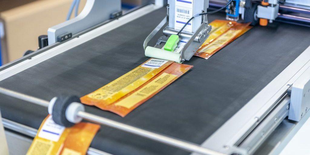 Этикетирование гибкой упаковки в udaFORMAXX